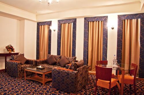 Ramee Rose Hotel - image 7