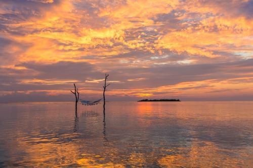 Dh. Meedhuffushi, South Nilandhe Atoll 13100, Maldives.