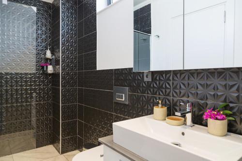 Kalkan 4 Bedroom Luxury Villa indirim