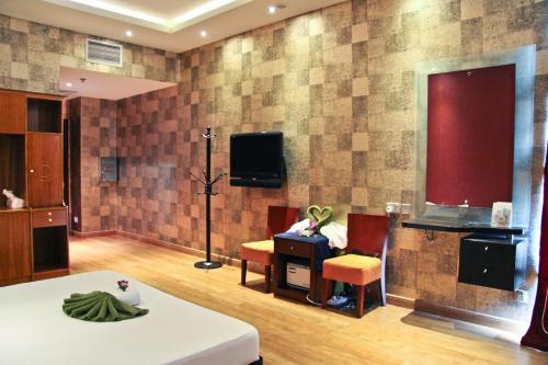 Ramee Rose Hotel - image 11