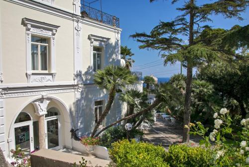 Via Marina Grande, 179, 80076 Capri NA, Italy.