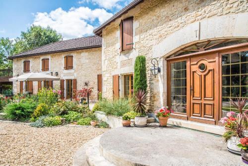 Moulin du Fontcourt Riverside Apartment - Hotel - Chasseneuil-sur-Bonnieure