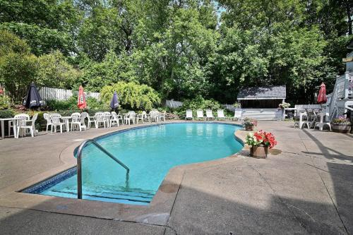 Auberge Lakeview Inn - Hotel - Lac-Brome