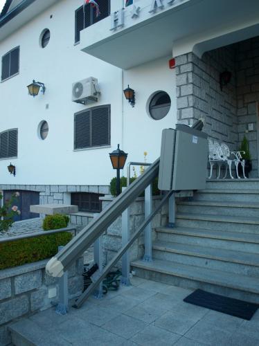 Residencial Sra. Da Lomba - Photo 4 of 30