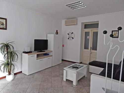 Apartments with WiFi Pula - 13049, Pension in Pula