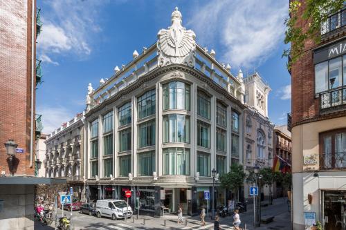 Prado, 2, Madrid, 28014, Spain.