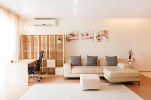 Apartment Complex Daudel 5
