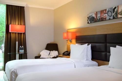 Hilton Zurich Airport room photos