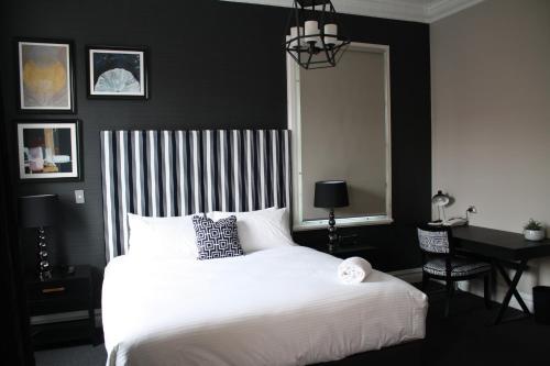 Mrs Banks Hotel - image 11