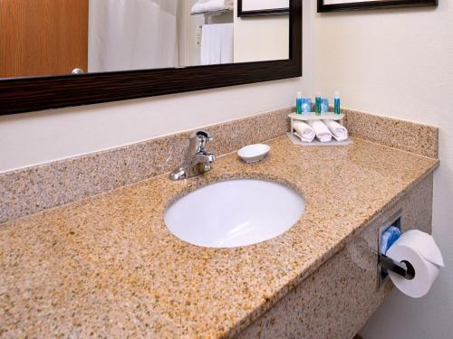 Holiday Inn Express Hotel & Suites Lancaster-Lititz - Lititz, PA 17543