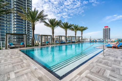 . Luxurious Hyde Resort Apartments
