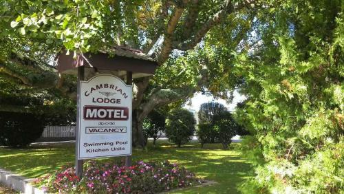 . Cambrian Lodge Motel