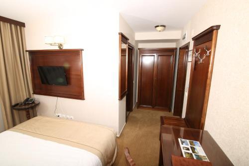 Standard Double Room 3***