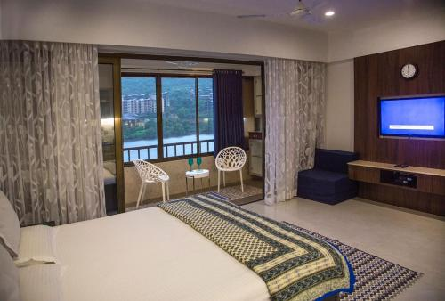 Lavasa Luxury Lakeview Studio
