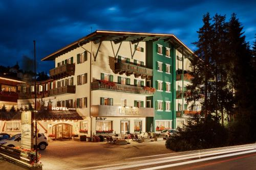 Hotel Savoy Alta Badia-La Villa/Stern