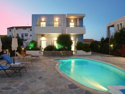 . Almiris Seaside Apartments