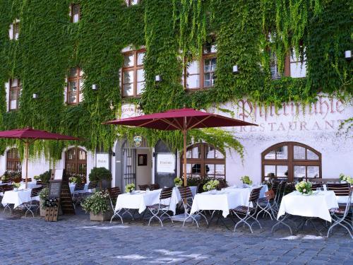 Sparkassenstraße 10, 80331 Munich, Germany.