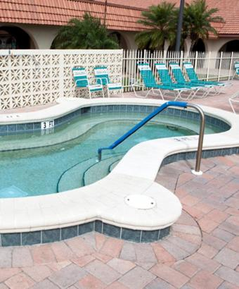 Lake View - Resort Home - Fully Furnished