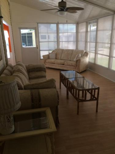 Lake View - Resort Home - Fully Furnished - Fort Myers Beach, FL 33908