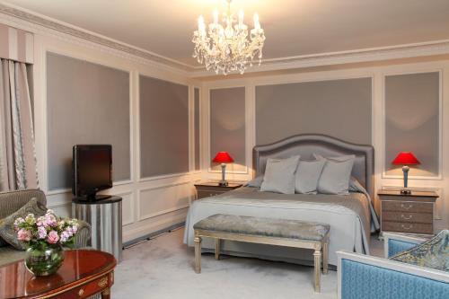 The Bentley Hotel, 27-33 Harrington Gardens, London SW7 4JX, England.