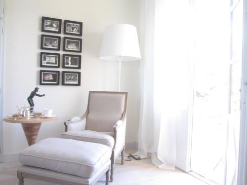 61 Avenue Général Leclerc, 83990 St Tropez, France.