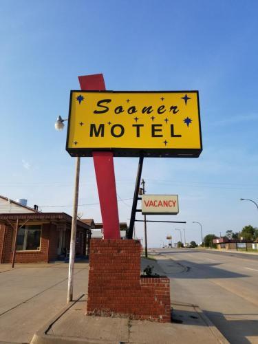 Sooner Motel - Stroud, OK 74079