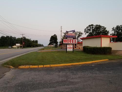 . Dogwood Motel