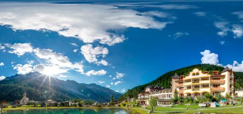 __{offers.Best_flights}__ Wellness Hotel Post