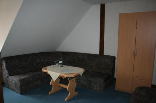 Familienzimmer mit eigenem Bad (Family Room with Private Bathroom)