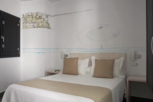 Hotel Hostal La Pasajera Conil De La Frontera Desde 43 Rumbo