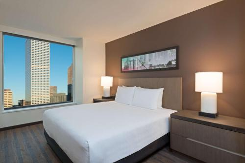Hyatt House Denver/Downtown - Denver, CO 80202