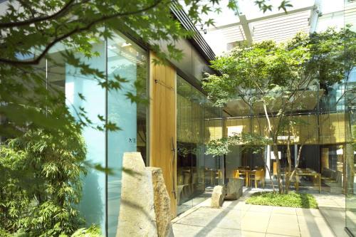 Roppongi Hills, 6-10-3 Roppongi, Minato, Tokyo 106-0032, Japan.
