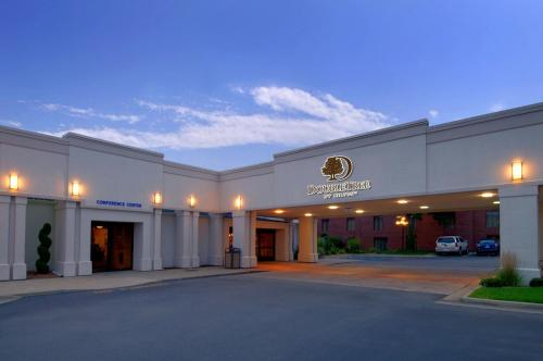 DoubleTree by Hilton Grand Rapids-Airport