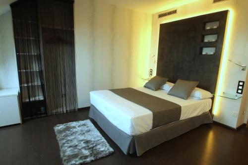 Superior Double or Twin Room with Hot Tub Hotel De Martin 28