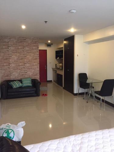 Oasis condominium photo 4