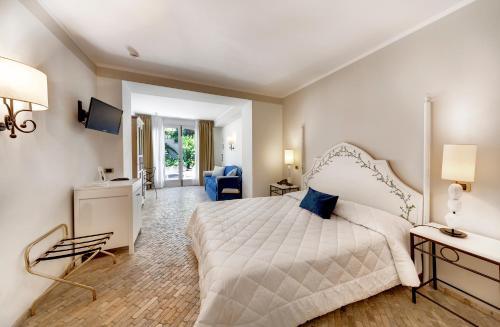 Classic Quadruple Room with Garden View