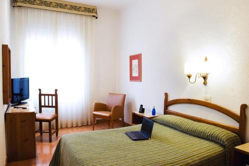 Hotel Miramar Badalona photo 18