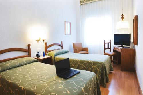 Hotel Miramar Badalona photo 24