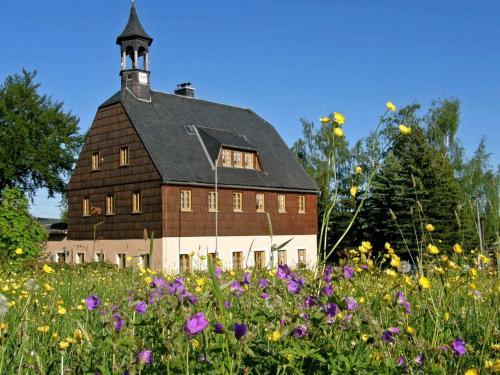 . Ferienwohnungen in Neuwernsdorf ER