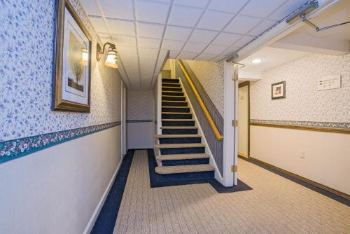 Coachman Inn - Kittery, ME 03904