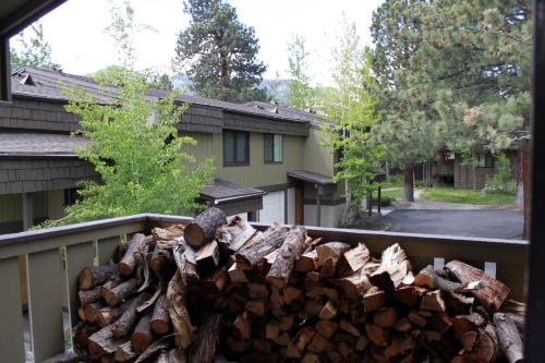 Amazing Retreat In Heart Of Mammoth Lakes