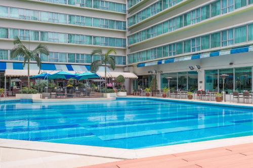 Regal Riverside Hotel photo 55