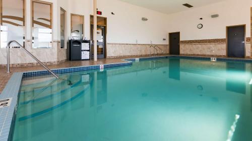 Best Western Wainwright Inn & Suites - Wainwright, AB T9W 0A2