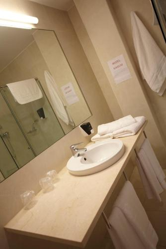 Double or Twin Room - single occupancy Hotel Nagusi 7