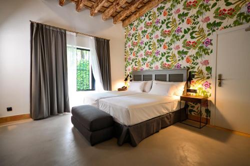 Superior Double or Twin Room Legado Alcazar 50