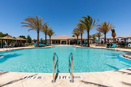 . Balmoral Premium Resort
