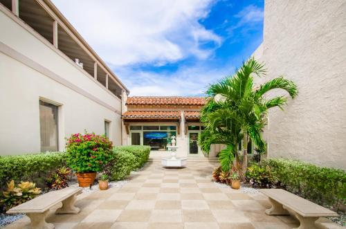 Palm Beach Historic Inn In Fl