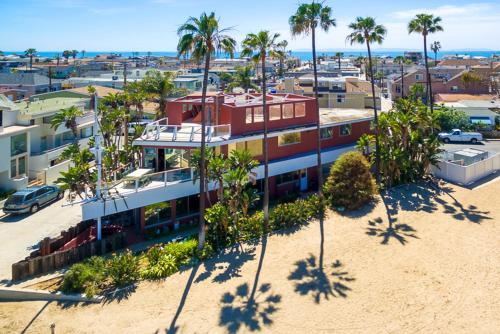 NB-303 Ship Shape in Newport Beach Five-Bedroom Holiday Home