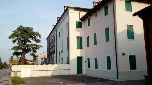 Residence Montegrappa - Apartment - Sandrigo