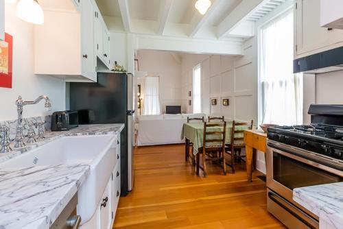 #494 - Corey House One-Bedroom Holiday Home - La Jolla, CA 92037
